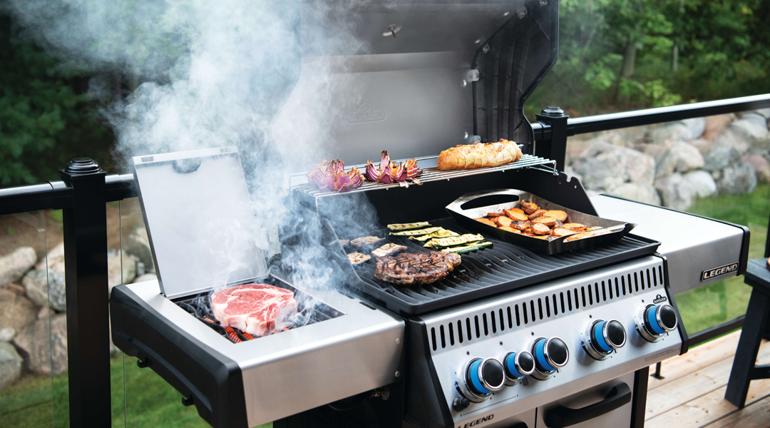 WHEN TO GRILL WITH THE LID OPEN OR CLOSED